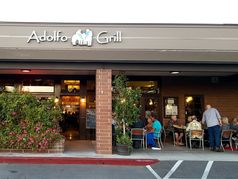 Adolfo Grill & Daily Bar